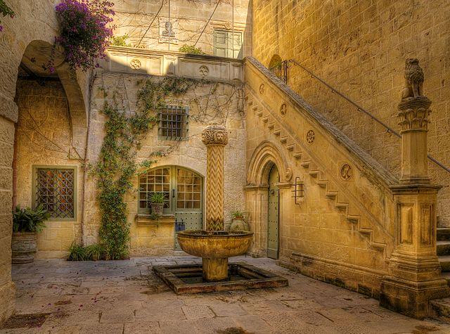 Palazzo_Falson
